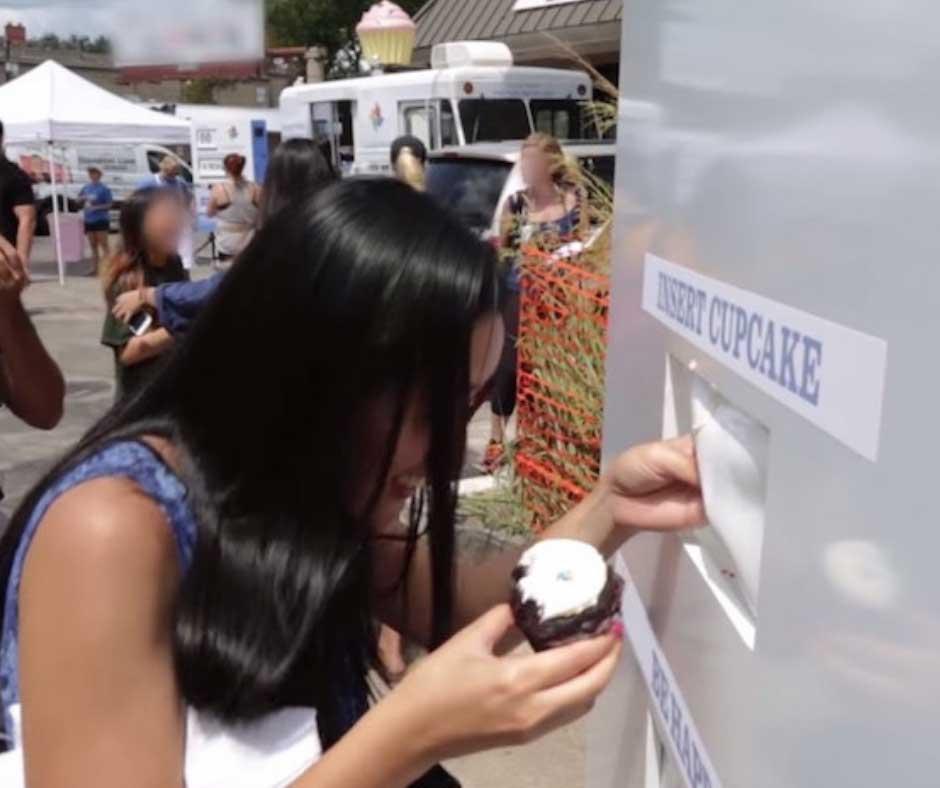 Zappos Google Cupcake Ambush
